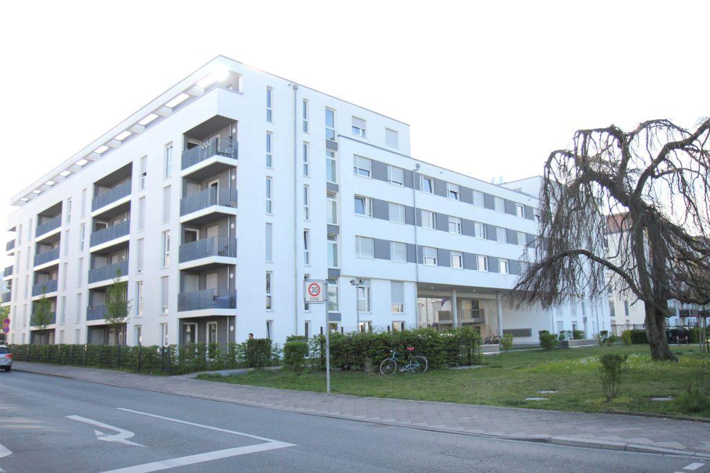 Wohnheim LAB, Berliner Allee, Aussen