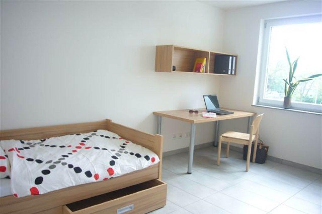Wohnheim LAB, Berliner Allee, Beispiel unbewohntes Zimmer