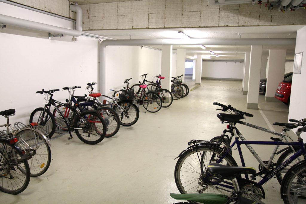 Wohnheim LAB, Berliner Allee, Fahrradkeller