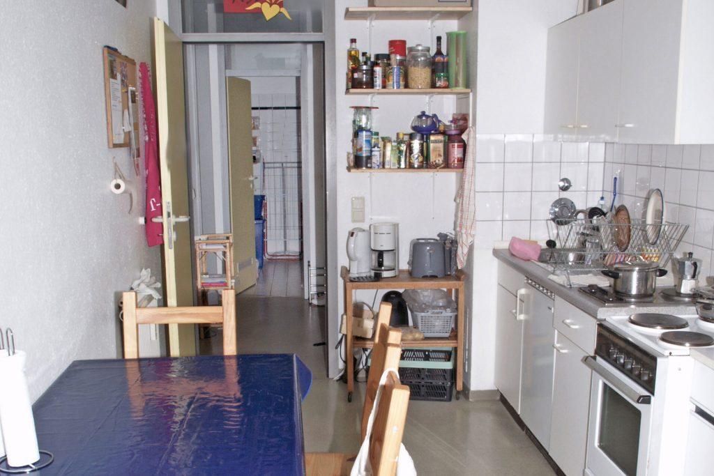 Wohnheim Neckarstraße, Beispiel bewohnte Küche