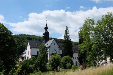 Kirche im Rheingau